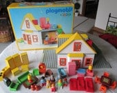 Playmobil Family House 6600 doll house boxed set vintage 90's toys German toys collectible toys with extras 45 pieces unisex children's toys