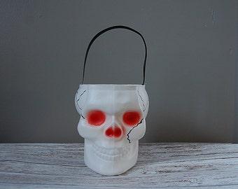 Creepy Skull Halloween Candy Bucket, Empire Plastics Blow Mold Skull