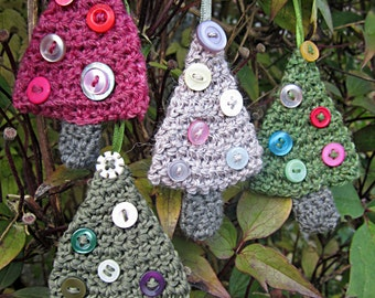 Crochet Pattern for Christmas Tree Bauble