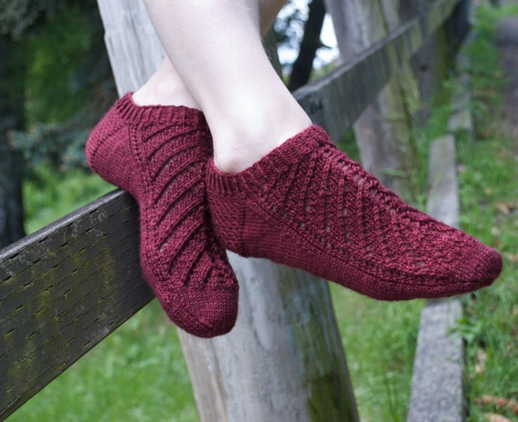 Ankle Socks PDF Knitting Pattern Wendee Lace from AndreaRangelKnits on Etsy S...