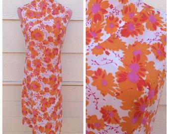 SALE - Retro hippie orange floral 1960s high neck sleeveless dress / size XL