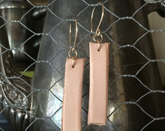 Saddle leather & gold earrings