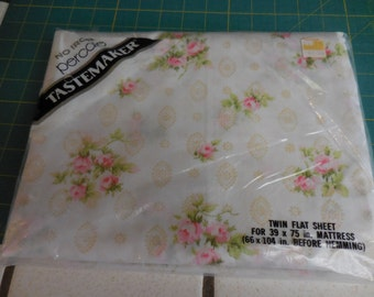 Vintage NOS Tastemaker Pink ROSES, Rose Bouquets and Gold Filigree Symbols on Creamy White Twin Flat SHEET- No-Iron Percale Bed Sheet