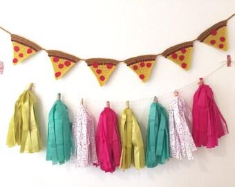 Pizza Decor, Pizza Garland, Crochet Pizza Hanging, Crochet Garland, Pizza Birthday Party, Home Decor, Food Decor, Crochet Food, Pizza Party