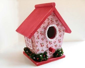 Strawberry Birdhouse - Strawberry decor, pink birdhouse, berry decor, spring birdhouse, shabby chic whimsical decor, decoupage birdhouse
