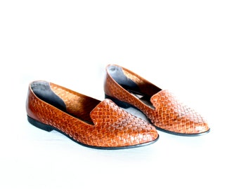 PRICE DROP // Caramel Brown Basket Weave Leather Loafers Womens 10
