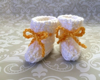 Crochet baby booties size 0 to 3 mos - an adorable baby shower gift, available now