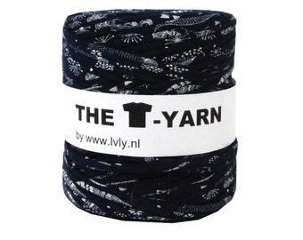 The t-shirt yarn 120-135 yards, 100% recycled cotton tricot yarn, blue printed 55