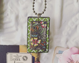 """Tin Jewelry Necklace """"Framed Flowers"""" Tin for the Ten Year Tenth Wedding Anniversary"""