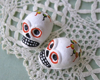 Day of the Dead Skull Beads White Peru Handpainted Ceramic Vertical Hole (2)
