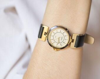 Woman quartz watch Seagull, stripy face lady watch, gold plated lady watch quartz, modern watch her, urban fashion watch, premium strap new