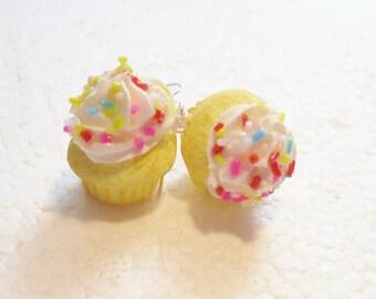 Cupcake Earrings. Polymer Clay.