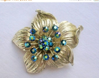 CHRISTMAS In July SALE Vintage Silvertone Flower Brooch with Turquoise Rhinestones