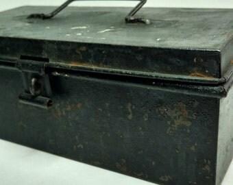 Vintage Metal toolbox, Vintage Industrial box