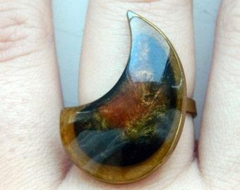 Vintage Fantasy Statement Brass Resin Horn Ring Adjustable