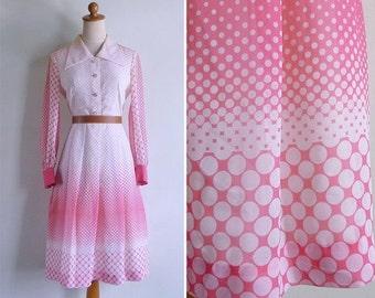 20% CNY SALE - Vintage 70's Polka Dot Pink & White Op Art Gradient Dress S or M