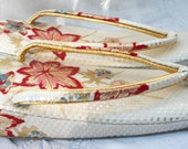 Asian dress Slippers ~ Sandals ~ Zori ~ Pink with Blue on Cream ~ Gold tones ~ Kimono Dress Shoes ~ Vintage Japanese ShoesVintage Shoes