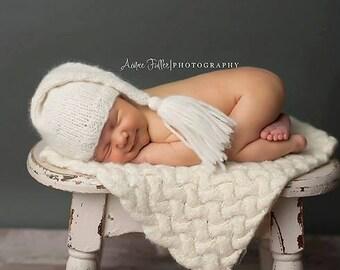Newborn Hat, Stocking Hat, Cream, Photo Prop