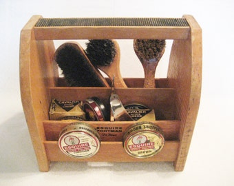 Wooden Esquire Footman DeLuxe  Shoe Shine Box With Contents Vintage 1950s 3 Shoe Shine Brushes