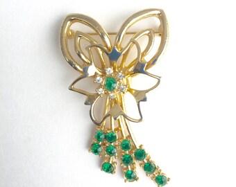 Pretty Vintage Emerald Rhineston Brooch