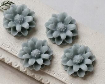 12 mm Baby-blue Little Daisy Chrysanthemum Resin Flower Cabochons  (.tg)(zzb)