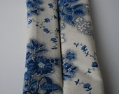 seatbelt covers car 1 pair  Blue and creme floral patterned seatbelt covers