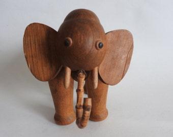 Zoo line Teak Elephant