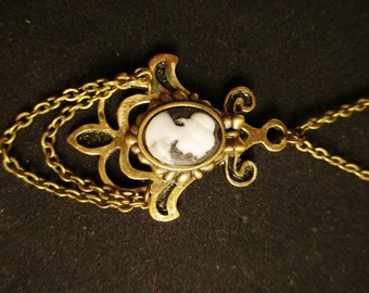Little Cameo Necklace