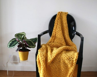 Chunky knitted blanket, super chunky lap wool blanket