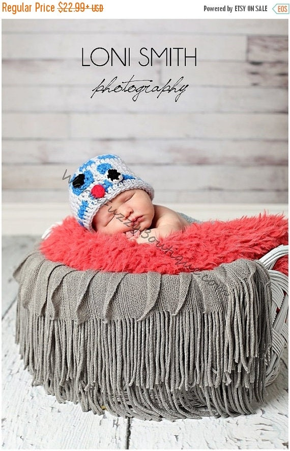 SUMMER SALE Star Wars Inspired R2D2 Hat - Baby Crochet Newborn Beanie Boy Girl Costume Halloween  Photo Prop Christmas Gift Winter Outfit