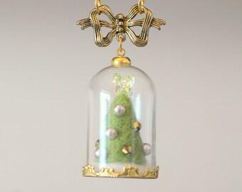 Christmas tree terrarium necklace, needle felted Christmas tree in glass dome necklace, handmade whimsical jewelry, gift under 20