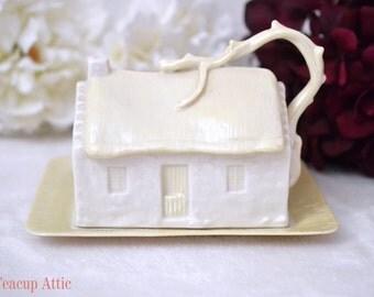 ON SALE Irish Belleek Cottage Cheese Dish, Irish Porcelain Cheese Safe, 1965-1980 6th Green Mark