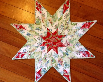 Lone Star Christmas Table Topper - Quilted Holiday Table Piece