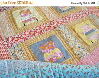 BACK 2 SCHOOL SALE Small Quilt - Play mat - Quilted Wall Hanging - Gender Neutral Quilt