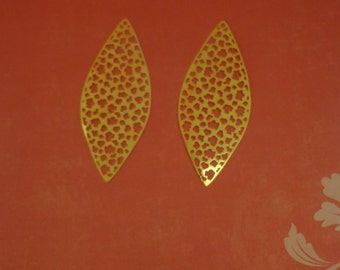 Light Weight Laser Lace, Brass Base Filigree Pendant, Earring Findings, Bright Gold Plated (2)