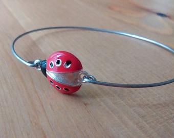 Ladybug bracelet - Ladybug bangle - Silver bangle bracelet - Enamel ladybug bangle - Flowergirls gift - Minimalist jewelry