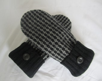 Women's black and gray lambswool mittens fleece lined size medium RTS