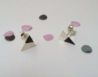 silver earstuds - triangle - oxidised silver