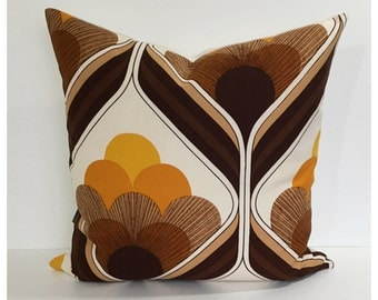 """Throw Pillow Cover 1970s Vintage Graphic Fabric 22"""" x 22"""" Large Retro Green Cushion Cover"""