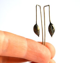 no.PE055_16. Sterling silver Cardamom seed pod earrings / natured inspired sterling silver earrings