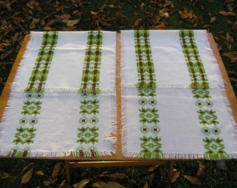 Pair 1970s Vintage Table Runner, Geometric Pattern Retro Tablerunners, Woven 1970s Table Decoration, Table Runners Mid Century Modern Design