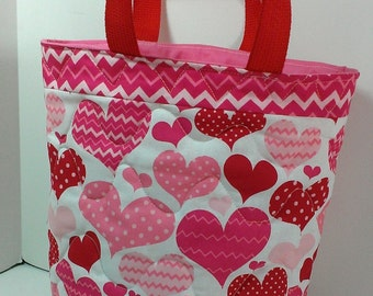 Valentine gift tote bag, quilted tote bag with heart in red and pink