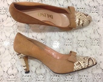 1970s Deliso Pumps.  Snakeskin and Tan Suede.  Size 6 1/2