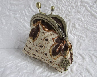 110A - Coin purse - Fabric with Metal Frame, handmade, wallet