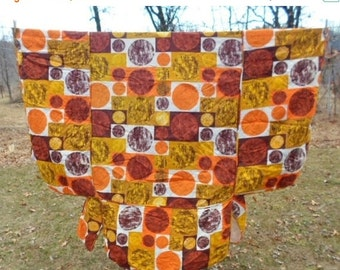 ON SALE Vintage Mid Century Modern Geometric Pattern Twin Bed fitted Bedspread, Homemaker, Quilted, Coverlet, Gussets, Orange, Brown, Harves