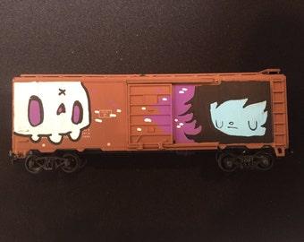 Grafitti Train - Skull and Vampire (Brown)