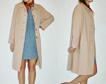 SHOP IS AWAY 1960s Weatherbee Lightweight Wool Beige Spring Top Coat