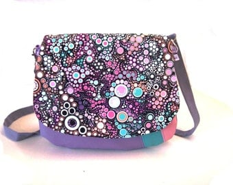saddle bag mauve and multicolor effervescence flap , crossbody bag in faux leather and bubbles fabric-dotted handbag