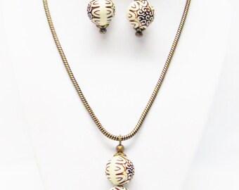 Chunky Wood Tone Pendant Necklace & Earrings Set w/Bronze Findings