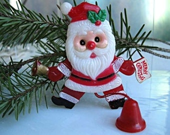 Plastic Santa Pull-String Brooch, Pull-String Moving Arms Legs Eyes, Articulated Jointed Body,Holiday Christmas Pin, Kris Kringle Brooch
